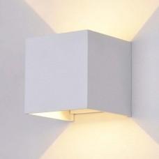 Уличный настенный светильник Maytoni Fulton O572WL-L6W белый 6 Вт 3000К